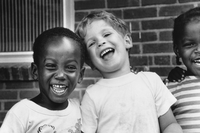 c43-two-laughing-kids